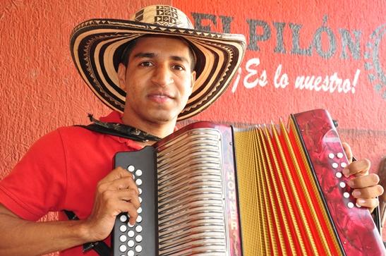 DAGER ALMANZA - EL PILON