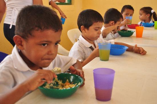 problema latente con suministro de alimentos a estudiantes