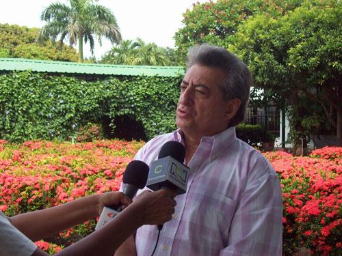 Ante la Procuraduría de Familia se presentaron el cantante Jorge Oñate y el apoderado de su hijo Jorge Oñate Dangond para llegar a un acuerdo, hecho que no ocurrió.