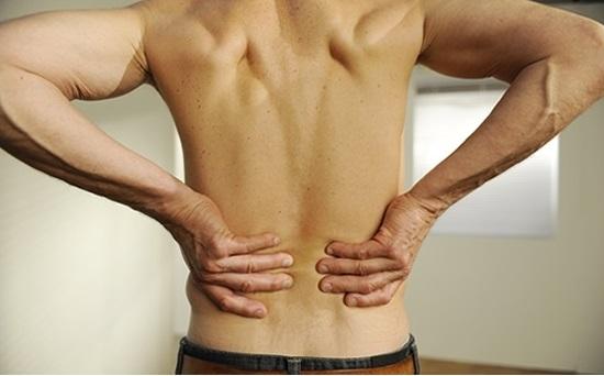 Antes fuertes dolores en la espalda lo recomendable es acudir al especialista. Tomada de internet.