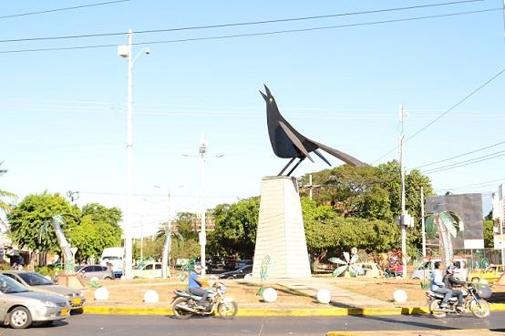 Esta obra del prestigioso escultor cartagenero, Enrique Grau, se encuentra ubicada en la glorieta de la carrera 16 con calle 18 de Valledupar. EL PILÓN / Eduardo Coronado.