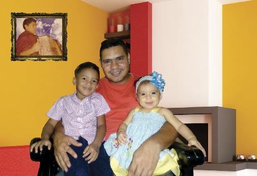 Héctor Arturo Zuleta Amaya, se siente orgulloso de ser hijo del célebre acordeonero y compositor Héctor Zuleta Díaz, y la familia la ha extendido con dos retoños. Foto Juan Rincón Vanegas.