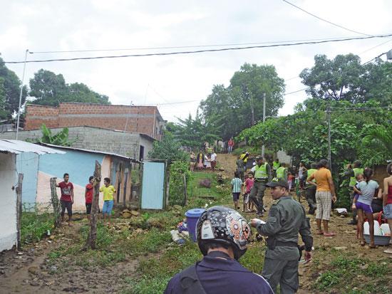 Viviendas arrasadas en la carrera 30 del barrio Cordillera