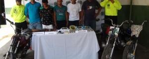Los capturados, las sustancias y las motocicletas incautadas fueron dejados a disposición de la Fiscalía local 29 de La Paz.