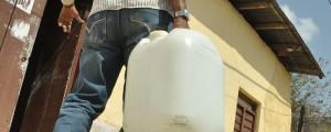 No al derroche de agua, el llamado desde este medio de comunicación es para conservar el agua para detener en parte la sequía del fenómeno de El Niño. EL PILÓN / Joaquín Ramírez.