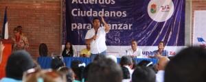 El alcalde Augusto Daniel Ramírez Uhía se comprometió con el mejoramiento de las rutas del servicio público para la comuna dos.