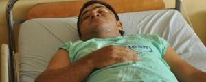 Francisco José Mendoza Pabón se recupera en el Hospital Rosario Pumarejo de López, tras recibir un impacto de bala en la pierna izquierda. Foto: Joaquín Ramírez.