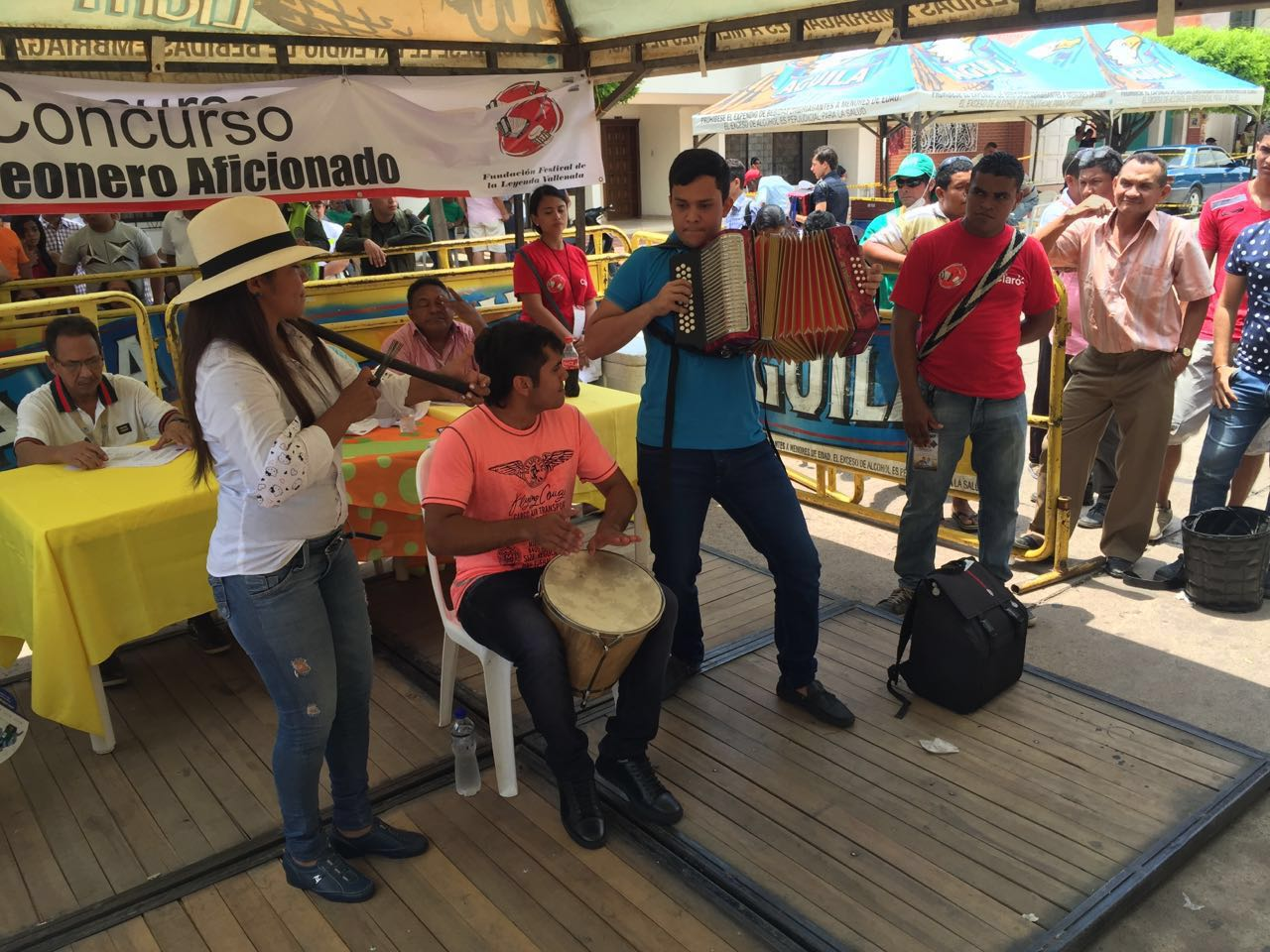 Polémica por beso entre Poncho Zuleta y Silvestre Dangond