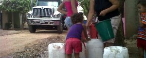 En Bosconia, habitantes han padecido por varios años ante la falta de agua potable. Referencia.