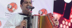 Tocando magistralmente el acordeón y cantando en el Parque de la Leyenda Vallenata, Jaime Dangond Daza se coronó como rey profesional 2016.