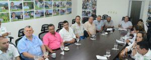Integrantes de la administración departamental presentaron a miembros de Corfedupar el proyecto de realizar ferias mensuales en el Cesar. Suministrada/EL PILÓN
