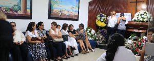 En la Funeraria Recordar llegaron familiares y amigos para velar el cuerpo de José Abuchaibe Araujo.