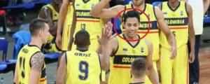 Divier Pérez, en el círculo, un vallenato que hace parte de la selección Colombia que juega en el Sudamericano de Baloncesto en Venezuela.