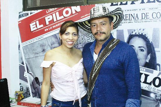 Los actores principales de 'Huellas', Carlos Vergara y Tatiana Olea, promocionan en Valledupar la película que próximamente estará en las carteleras de cine. Leonardo Alvarado/EL PILÓN