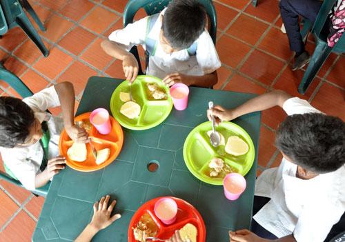 Alcaldía asume costos de alimentación escolar