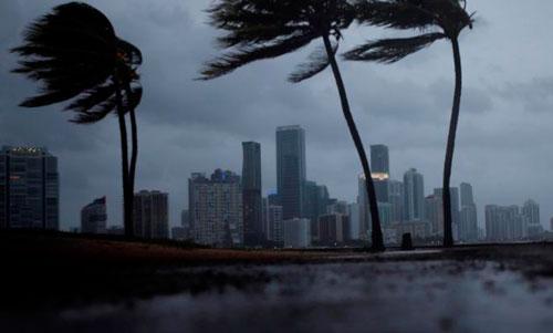Cancillería monitorea situación de paraguayos en países azotados por Irma