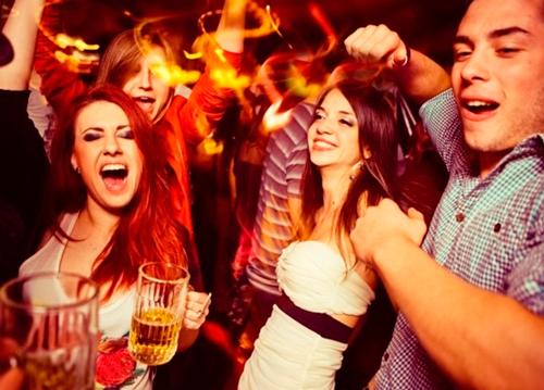 A cerrar boca y aguantar, para beber licor hasta los 21 años