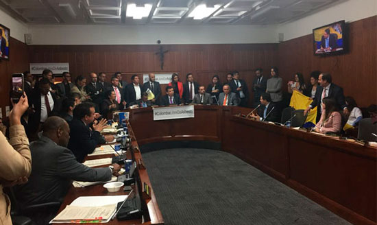 Senado colombiano aprueba en primer debate prohibición del asbesto