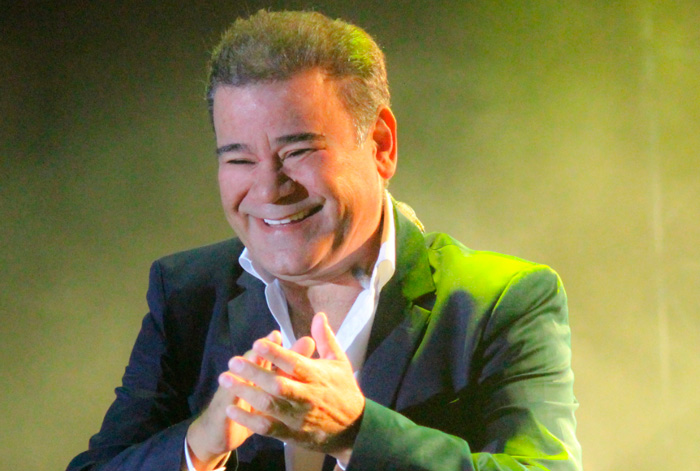 'Solo quiero amor' y 'Tú caes' son las nuevas canciones de Iván Villazón y su acordeonero, Saúl Lallemand.