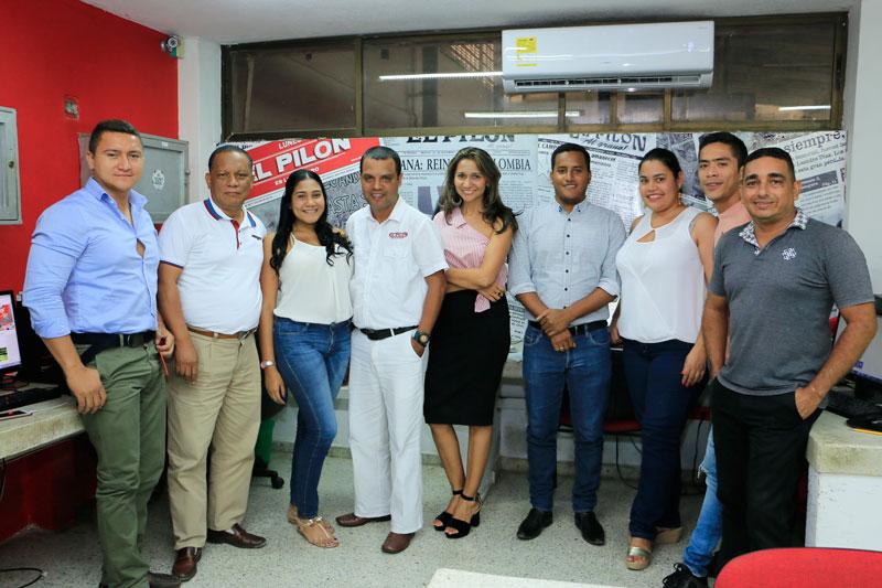 Equipo periodístico de EL PILÓN, liderado por Ana María Ferrer y Martín Mendoza, directora y jefe de redacción respectivamente.