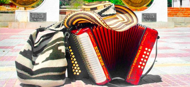 El autor propone que se les exija a los nuevos compositores más calidad literaria en la letra de las canciones.