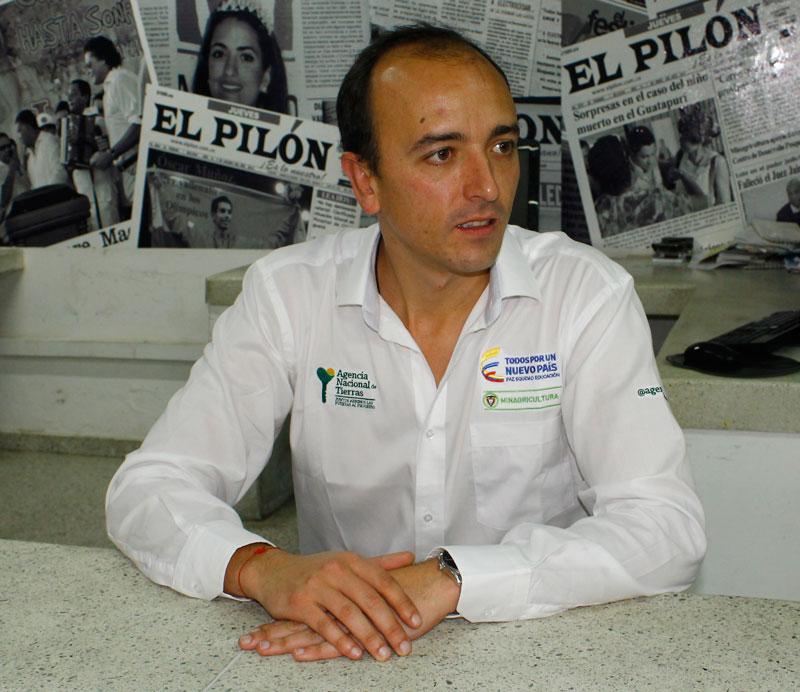 Miguel Samper Strouss director general de la Agencia Nacional de Tierras estuvo en el Cesar dando a conocer la 'entregatón'.