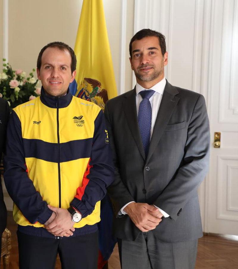 El vallenato Afranio Restrepo (derecha) fue ratificado en el cargo como subgerente de Colpdertes