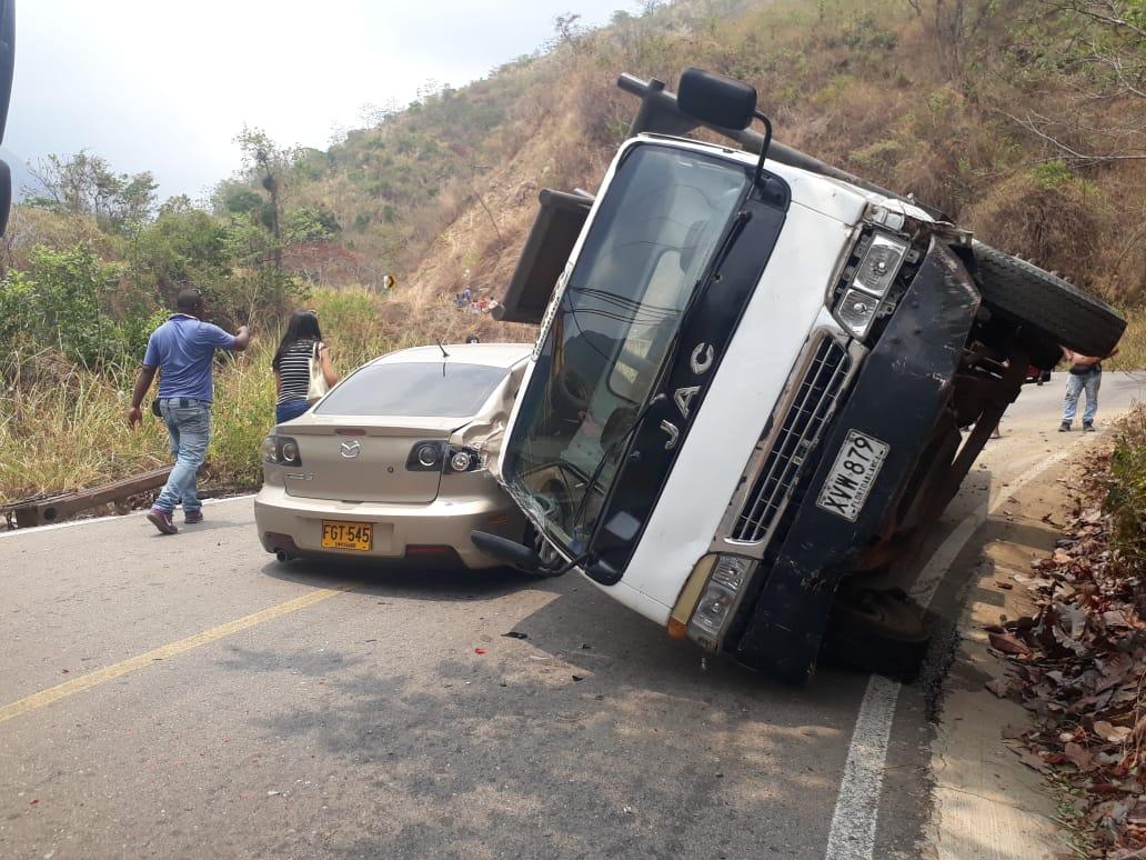 Así quedaron los vehículos involucrados en el accidente.   Foto: Cortesía.