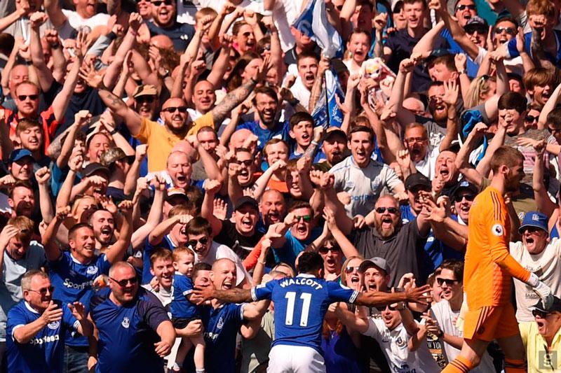 Con su hinchada respaldandolo, Everton le apunta a la Europa League.