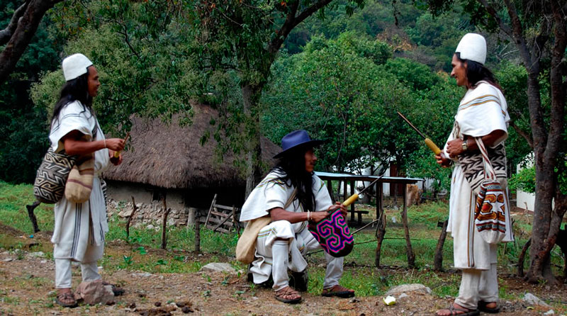Los mamos, sabios de las comunidades indígenas, enseñan que el estado de la sierra nevada de Santa Marta se ve reflejada en la salud general de los pueblos ancestrales.