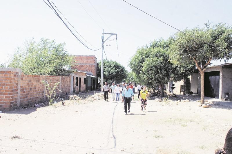 En cuanto a pavimentación, todavía es mucho lo que hace falta en este sector de Valledupar.  Foto: Joaquín Ramírez.