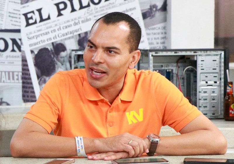 Kaleb Villalobos Brochel candidato a la Gobernación del Cesar.
