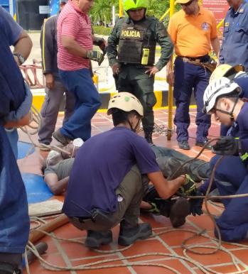Los cuerpos fueron rescatados por los Bomberos.  CORTESÍA