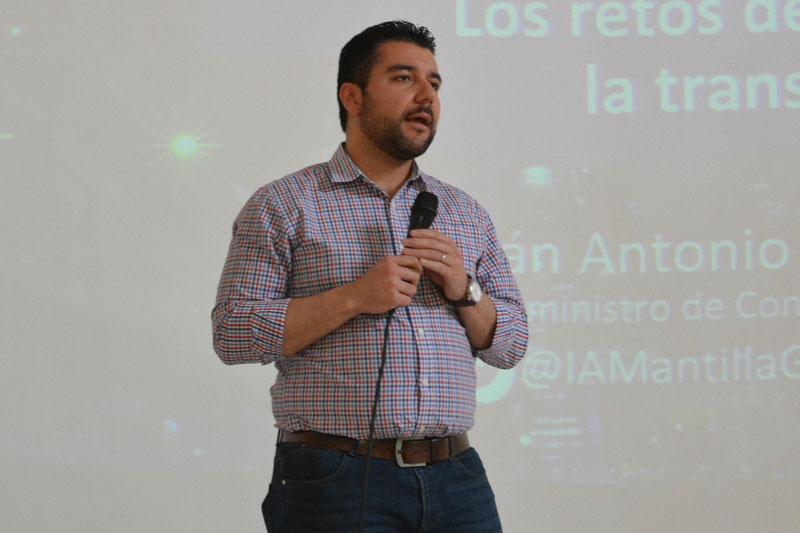 El viceministro de las TIC, Iván Antonio Mantilla Gaviria, dio a conocer qué viene en materia de tecnología para el Cesar, desde el Gobierno nacional.  FOTO: Sergio Mcgreem/EL PILÓN