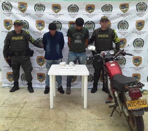 En el operativo fue decomisada una motocicleta y la mercancía.  Foto: Judiciales.