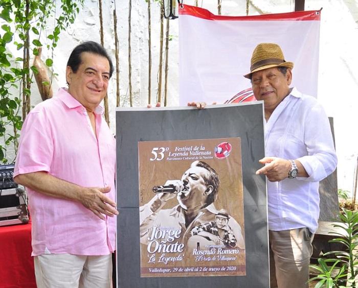 En la tienda Compai Chipuco de Valledupar se hizo la develación del afiche del Festival Vallenato 2020 que rendirá homenaje a Jorge Oñate y Rosendo Romero.          FOTO/ JOAQUÍN RAMÍREZ