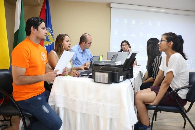 Esta mañana fueron recibidas las delegaciones participantes al Encuentro Nacional e Internacional de semilleros.   FOTO: SUMINISTRADA/ UDES.