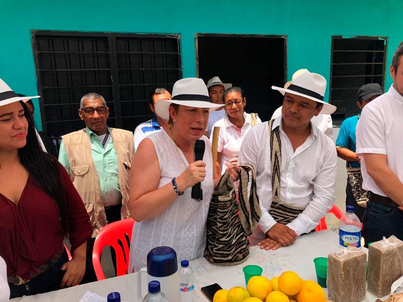 La presidenta de la Agencia de Desarrollo Rural, ADR, Claudia Ortiz, visitó tres corregimientos del norte de Valledupar: Atánquez, La Mina, Río Seco y Ramalito, donde prometió un proyecto de aguacate y plátano para garantizar seguridad alimentaria.