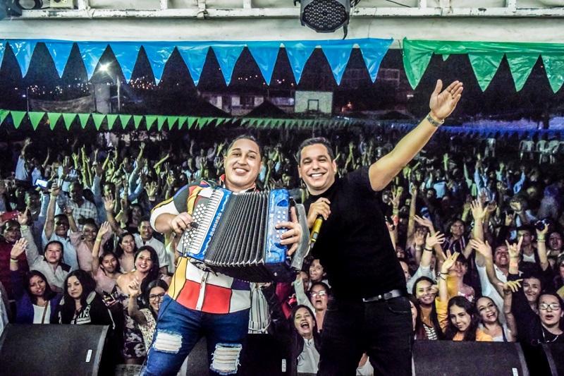 Diomedes de Jesús y Tony Gutiérrez pondrán a bailar a los colombianos con su éxito 'Besar y besar'.  FOTO/ SUMINISTRADA