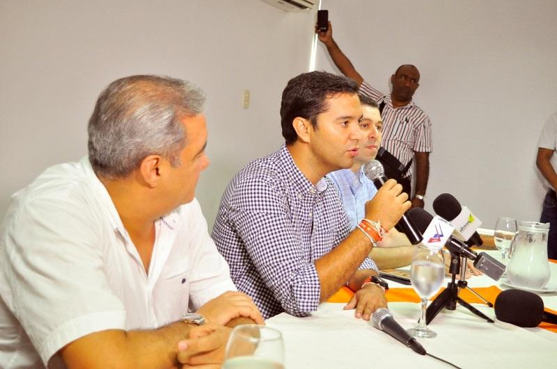 El alcalde electo de Valledupar, El Mello Castro, en rueda de prensa dio a conocer los lineamientos de lo que será su gobierno.  FOTO/ JOAQUÍN RAMÍREZ