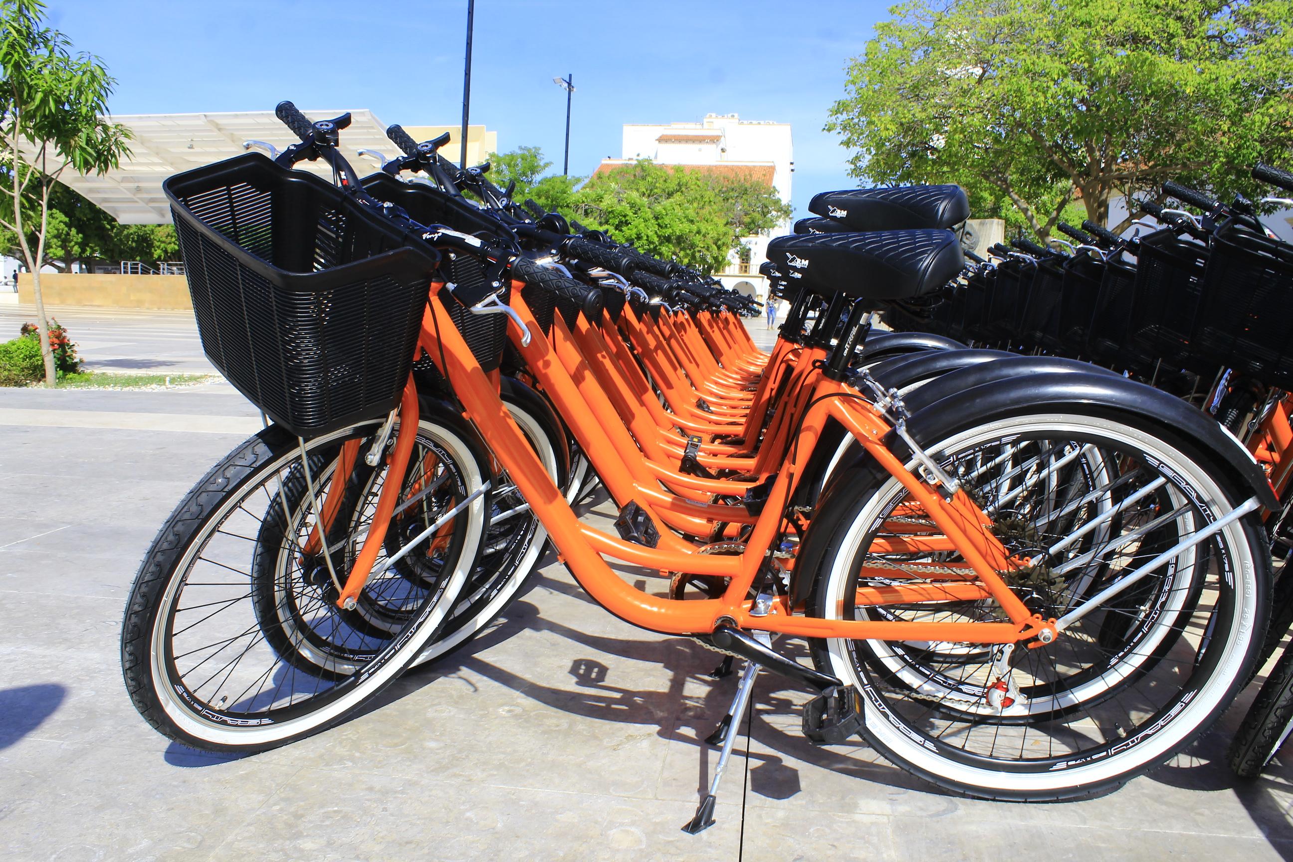 De lunes a viernes de 7:00 a.m., a 7:00 p.m., los vallenatos podrán usar bicicletas públicas.  FOTO/ JOAQUÍN RAMÍREZ.