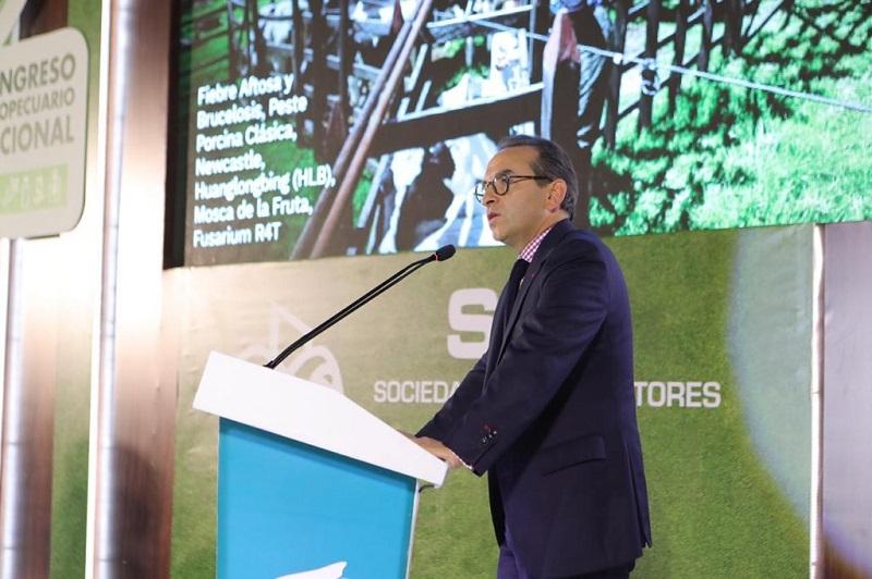 Andrés Valencia Pinzón, ministro de Agricultura.   Foto/ Tomada de Twitter.