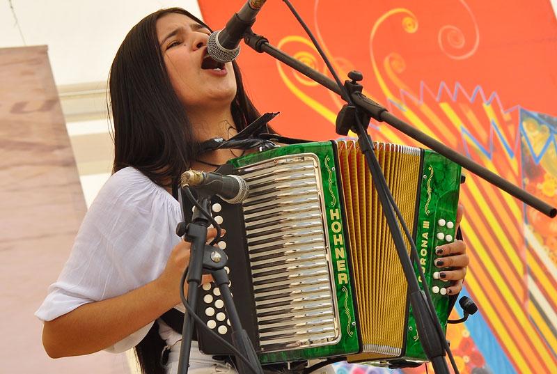 Una joven de 18 años, oriunda de Sabanalarga, Atlántico, ganó el primer lugar de acordeón profesional de Evafe. Se trata de Loraine Lara.