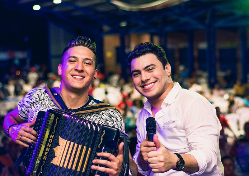 Rafael María Díaz y su acordeonero David Carreño.   FOTO/ CORTESÍA.