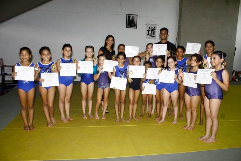 En Valledupar hay más de 100 niñas practicando gimnasia artística