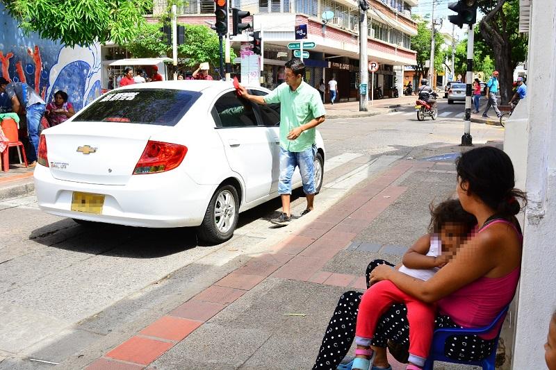 A nivel nacional el desempleo fue de 9,3 %, mientras que Valledupar se ubicó como la tercera ciudad con la mayor tasa de desocupados (15,2 %).   FOTO/JOAQUÍN RAMÍREZ.