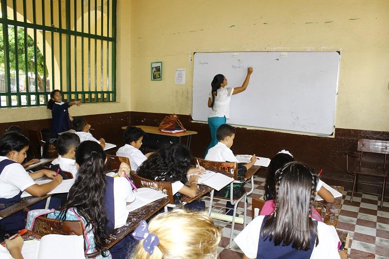 Minciencias exigirá que los profesores estén bajo nombramiento en propiedad o en periodo de prueba.  FOTO/ARCHIVO.