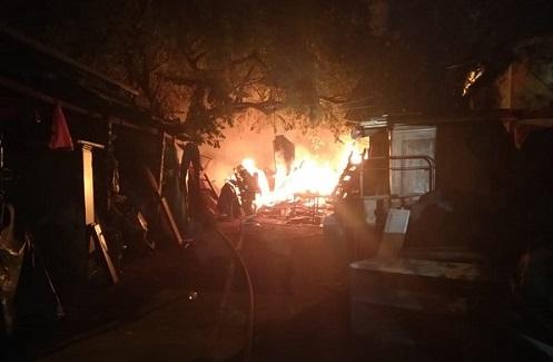 El Cuerpo de Bomberos Voluntarios de Valledupar atendió la emergencia.   FOTO/CORTESÍA.