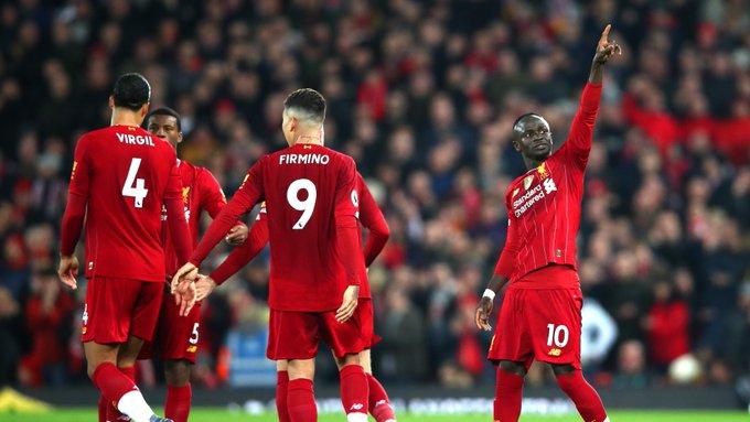 Sadio Mané sigue aumentando su racha goleadores y convirtiéndose en pieza clave en el tridente ofensivo del Liverpool.  FOTO/CORTESÍA.