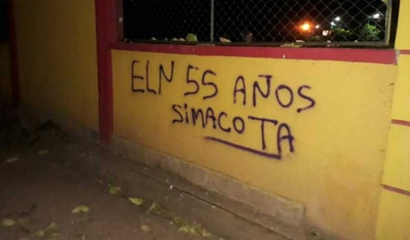 Los mensajes aparecieron en distintas infraestructuras del municipio.   FOTO/CORTESÍA.